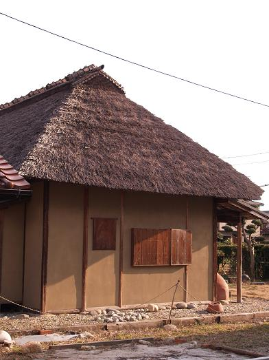 茅葺の建物2